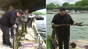 """Unikalūs ir kartais pavojingi radiniai pačiame Paryžiaus centre: iš Senos upės dugno """"žvejojami"""" ginklai ir dviračiai"""