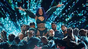 """""""BET Awards"""" scenoje – seksualus Cardi B pasirodymas ir įspūdingas šou"""