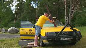 """Esto """"Audi 100"""" transformacija traukia žvilgsnius: seną automobilį pavertė važinėjančia sauna"""