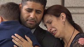 Automobilyje dvynukus palikęs ir pražudęs tėtis atvyko išgirsti nuosprendžio: tikisi vienintelio teisingo sprendimo