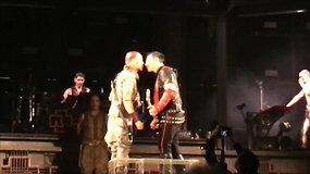 """""""Rammstein"""" akibrokštas Rusijoje: scenoje aistringai pasibučiavo grupės nariai"""