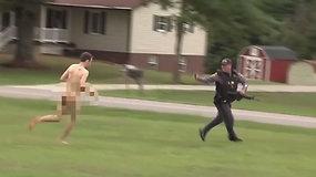 Neįprastos žudiko gaudynės: nusikaltėlis nuo policijos bandė pasprukti visiškai nuogas