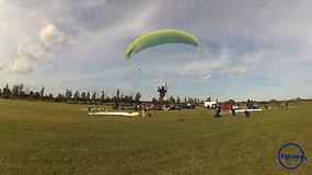 """""""Kylam"""": Rokiškio aerodrome – margaspalvė parasparnių """"pūga"""""""