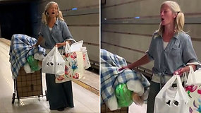 Ariją metro stotyje užtraukusi benamė tapo interneto sensacija – neįtikėtina jos istorija sujaudino tūkstančius