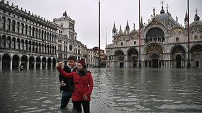 Veneciją užliejo aukščiausias per daugiau kaip 50 metų potvynis – žaizda paliks nuolatinę žymę