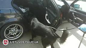 Jaunuolio BMW automobilyje rasta ir kokaino, ir priemaišų jo kiekiui padidinti