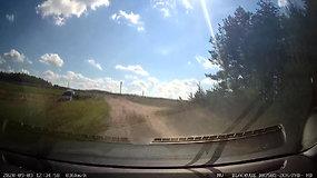 """Ką tik Olandijoje pavogto automobilio """"BMW 535D"""" gaudynės Lietuvoje"""