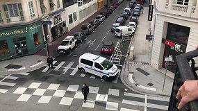 Nicoje per įtariamą teroro ataką peiliu ginkluotas asmuo nužudė tris žmones