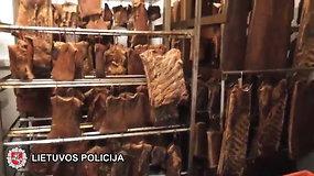Mėsos gamyboje – antisanitarinės sąlygos ir slėpti mokesčiai