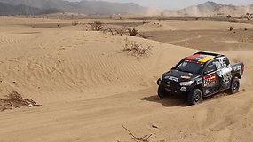 Lietuviai pasirodė Dakaro bandomajame ruože: mėgina savo automobilius ir trasą