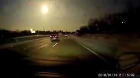 JAV gyventojus stebino padange praskriejęs meteoras