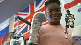 "Moters dienos proga dukart olimpinė čempionė N.Adams virto lėle ""Barbie"""
