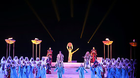 """Piramidžių papėdėje atlikta garsioji Verdi opera """"Aida"""""""