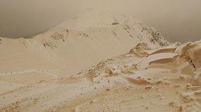 Oranžinis sniegas Rytų Europoje: jį nudažė iš Sacharos dykumos atkeliavusios dulkės