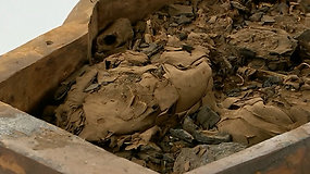 Staigmena mokslininkams: atvėrę tuščiu laikytą karstą aptiko mumijos likučius