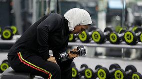 Saudo Arabijos moterys gavo teisę lankytis sporto klubuose