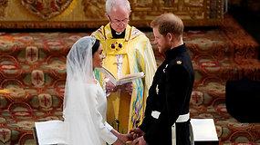 """Lemtingasis """"Taip"""": princas Harry ir Meghan Markle tapo vyru ir žmona"""