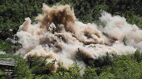 Užfiksuotas Šiaurės Korėjos branduolinių bandymų poligono likvidavimas