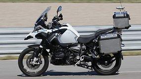 BMW džiaugiasi neįtikėtinu pasiekimu – pristatė pirmąjį autonominį motociklą
