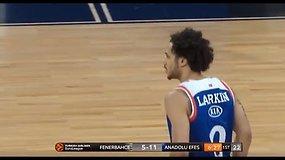 """Fantastiškas Sh.Larkino pasirodymas Eurolygos pusfinalyje pažymėtas užtikrinta """"Anadolu Efes"""" pergale"""