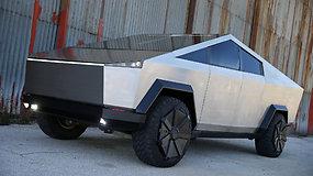 """Vairuotojai negalėjo atsistebėti kelyje išvydę """"Tesla Cybertruck"""" – """"donoru"""" tapo """"Ford"""""""