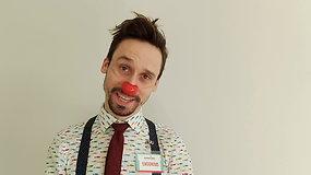 Raudonos nosys: Klounas Augenijus moko treniruoti juoko raumenis