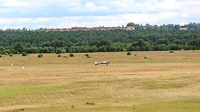 """""""Kylam"""": Alytaus aerodromo turtą perdavus savivaldybei, aviacijos ateitis šiame mieste pakibo ant plauko"""