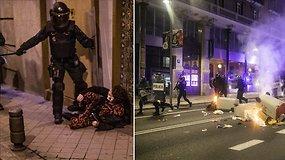 Ispanijoje protestai prieš COVID-19 suvaržymus: susirėmimai su policija, degantys konteineriai ir reikalavimas grąžinti laisvę