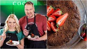 """""""Tarasovai virtuvėje"""": Velykoms – burnoje tirpstantis šokoladinis pyragas. Apsilaižysite pirštus!"""
