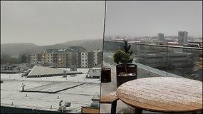 Į sostinę sugrįžo žiema – penktadienio popietę iškrito sniegas