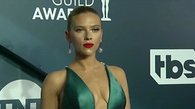 Pasigrožėkite: ant ekrano aktorių gildijos apdovanojimų raudonojo kilimo rikiavosi išsipusčiusios žvaigždės