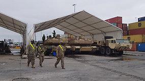 JAV karinė technika ir kariai Klaipėdos uoste ruošiasi namo