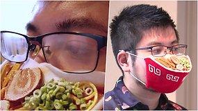Menininkas pasityčiojo iš akiniuočių bėdos – pristato kaukę su garuojančios sriubos imitacija