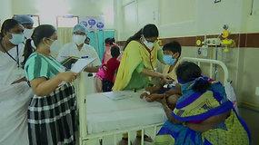 Indijoje dėl nežinomos ligos į ligoninę paguldyta per 400 žmonių, vienas iš jų mirė