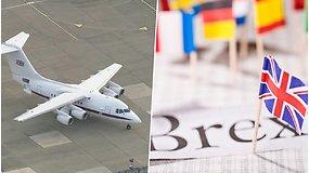 """Londone nusileido Didžiosios Britanijos karališkųjų oro pajėgų lėktuvas – atskraidino """"Brexit"""" dokumentus"""