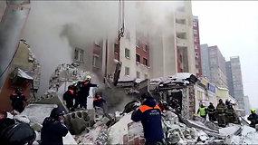 Rusijos miestą sudrebino sprogimas – nelaimė įvyko 12 aukštų gyvenamojo namo priestate, kur buvo įsirengusi kavinė