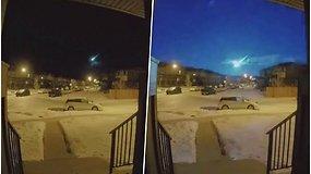 Užfiksavo įspūdingą vaizdą – stiprus meteoro blyksnis nušvietė visą dangų
