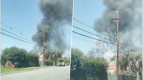 Fejerverkai iššovė su visu sandėliu – po sprogimo kilo gaisras, nelaimė pareikalavo aukų