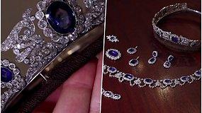 Aukcione parduodamos Napoleono Bonaparto dukros brangenybės, puoštos safyrais, deimantais ir auksu