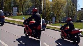 Užfiksuota, kaip motociklininkas pažeidžia KET ir rizikuoja gyvybe