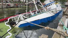 "Danės upėje skęsta  ""Ole Willassen"" laivas"