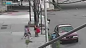 Vaizdo kameros užfiksavo šokiruojantį vaizdą – vyras bandė pagrobti vaiką
