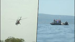 Į ežerą nukrito turistus skraidinęssraigtasparnis – orlaivis nugrimzdo į 130 m gylį