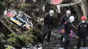 Kraupi avarija Peru – autobusas atsitrenkė į uolą ir nukrito į 200 m pragarmę