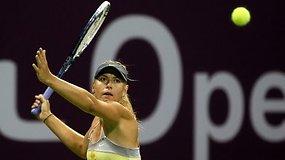 Marija Šarapova ir Serena Williams užtikrintai pradėjo kovą dėl pirmos pasaulio raketės titulo Katare