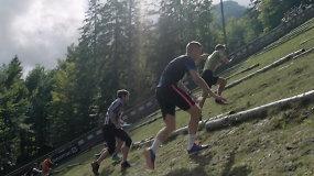 """Beprotiškos estafetės į kalną dalyviai: """"meldžiau, kad kojos iškęstų"""""""