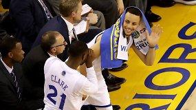 """To nesitikėjo net """"Warriors"""" sirgaliai: """"Cavaliers"""" sutrypti Ouklande"""
