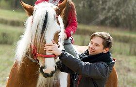 R.Morozovienės fotosesija su žirgais ir šeima
