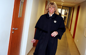 Teismas nubaudė išgėrusią ir BMW vairavusią žinomos advokatės dukrą Simoną Proniną