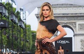 """""""L'Oreal"""" madų šou Paryžiaus Eliziejaus laukuose"""